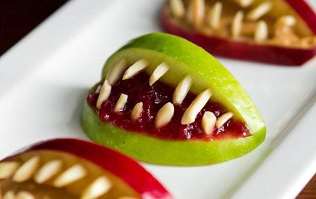 3-Ingredient Halloween Apple Bites