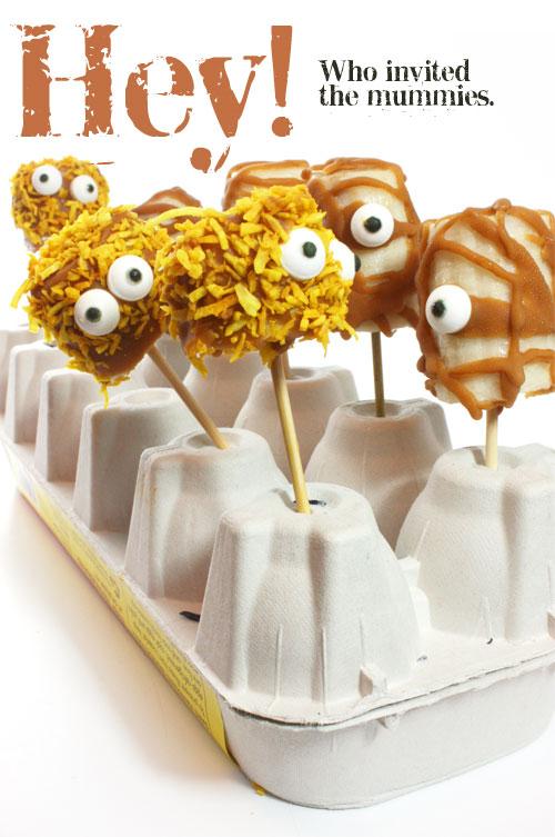 Frozen banana mummies - vegan halloween idea